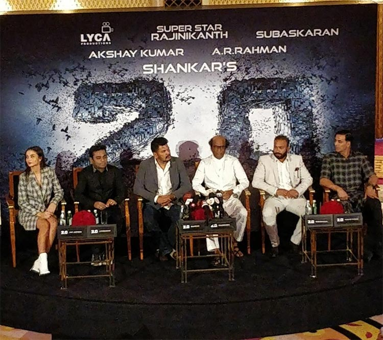 2.0 team interacting with the press in Dubai