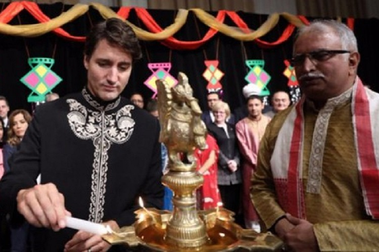 Justin Trudeau celebrates Diwali in Canada and all we can focus on is his Sherwani!