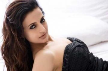 Ameesha Patel Hot and Sexy pic