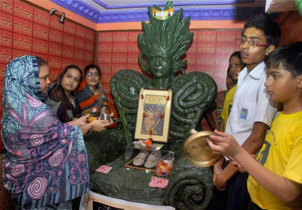 Amitabh Bachchan's temple in Kolkatta