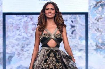 Esha Gupta walks the ramp at India Beach Fashion Week