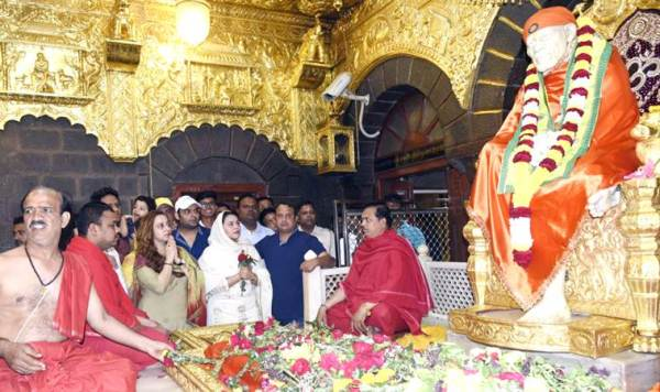 Kapil Sharma visited Shirdi Sai Baba temple