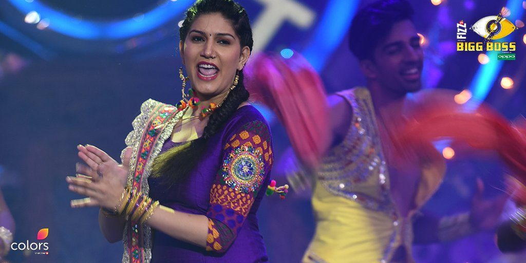 Sapna Chaudhary on Bigg Boss 11 stage (Courtesy: Twitter/@BiggBoss), inuth.com