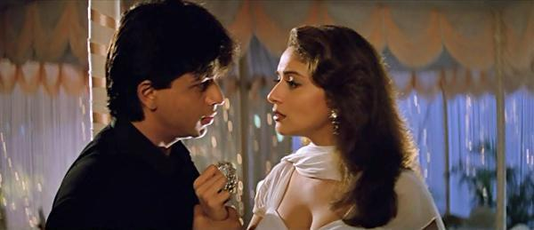 Shah Rukh Khan and Madhuri Dixit in Dil Toh Pagal Hai, inuth.com
