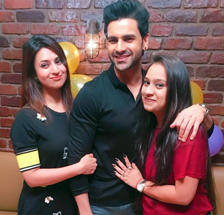 Vivek Dahiya celebrating 33rd birthday