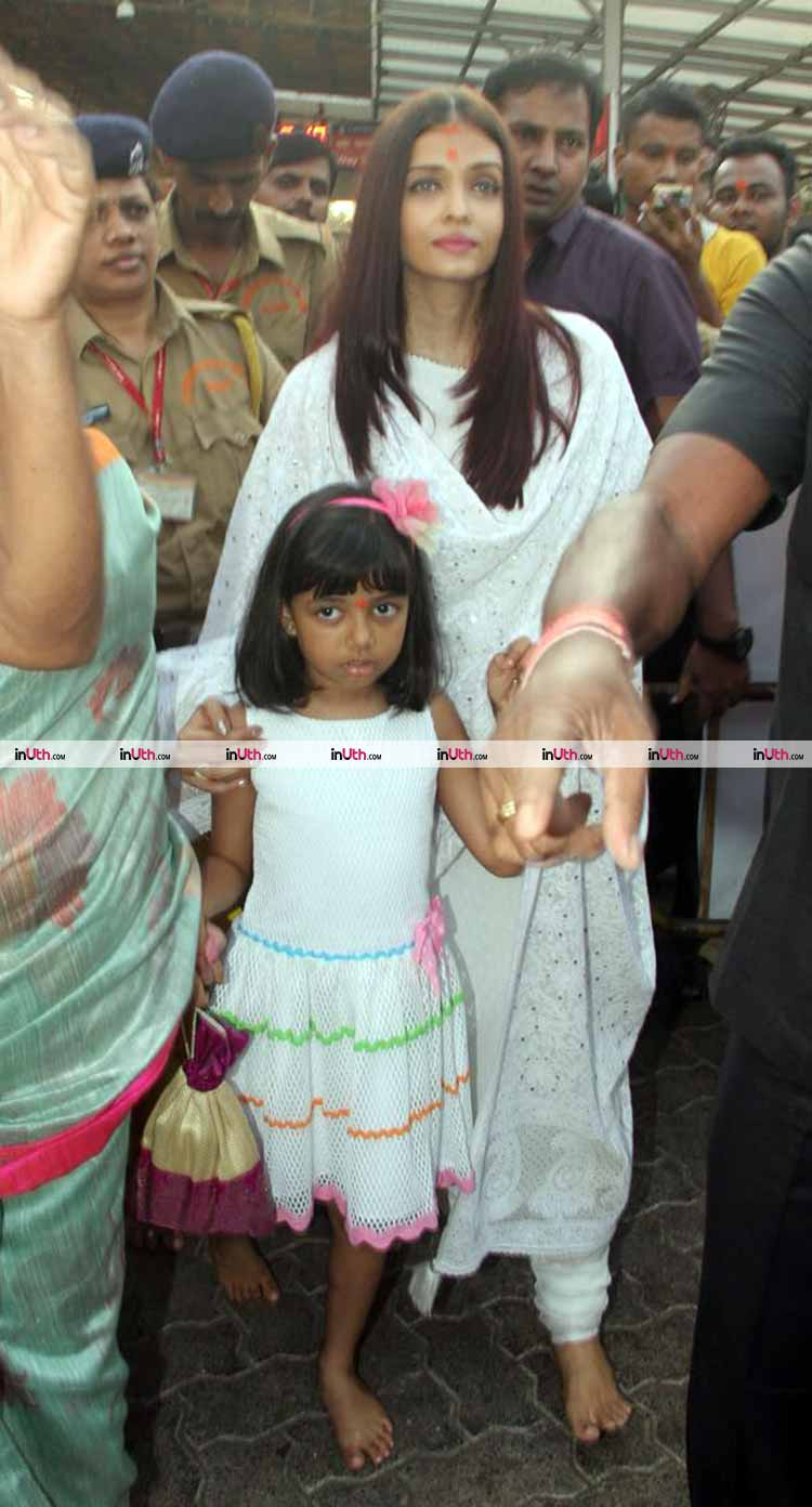 Aishwarya Rai with daughter and mother at Siddhivinayak temple