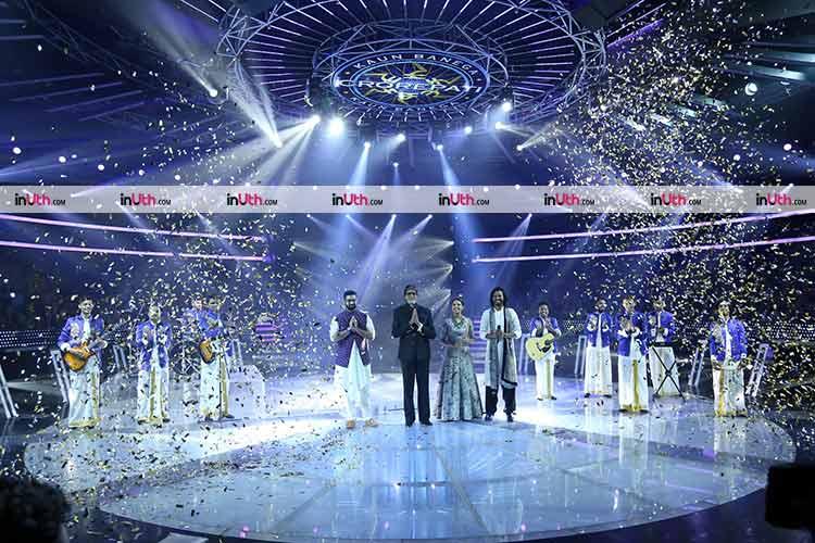 Amitabh Bachchan with Euphony band on the finale of Kaun Banega Crorepati 9