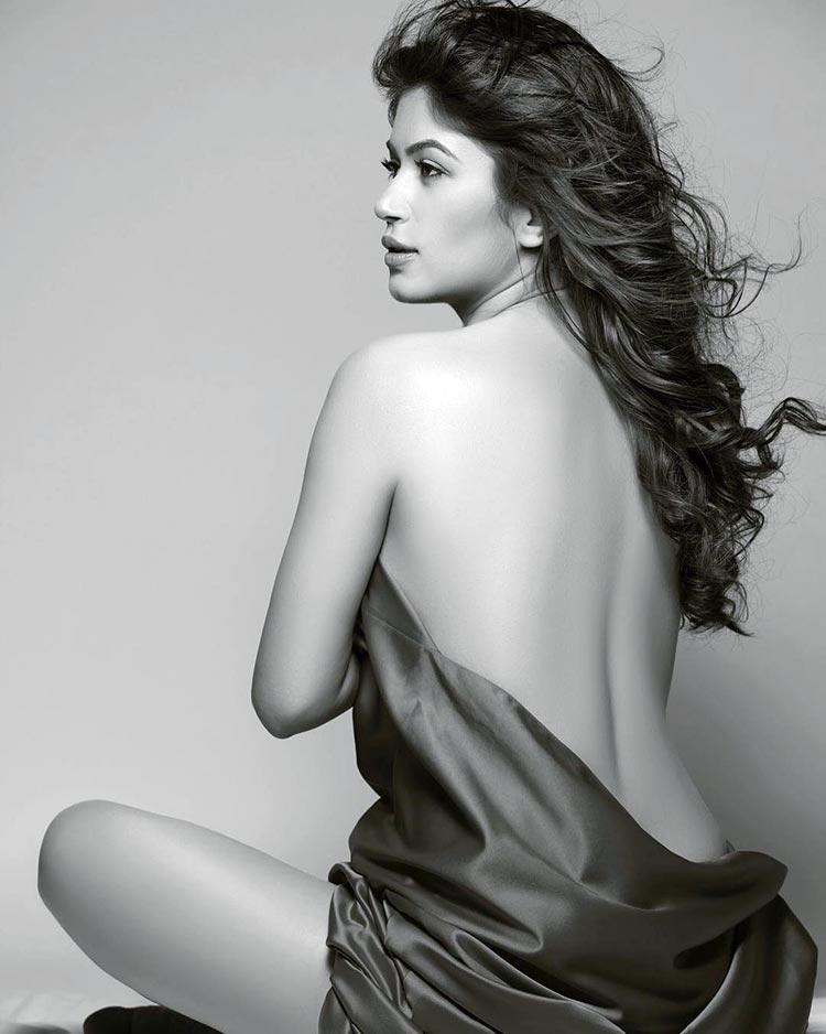 Bandgi Kalra's latest photoshoot is sizzling AF