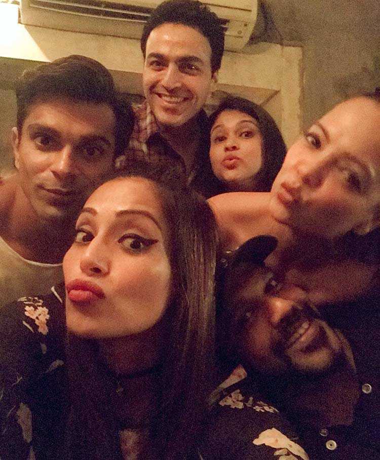 Bipasha Basu and Karan Singh Grover's fun night out with friends