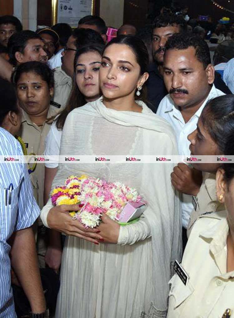 Deepika Padukone inside the Siddhivinayak sanctorum