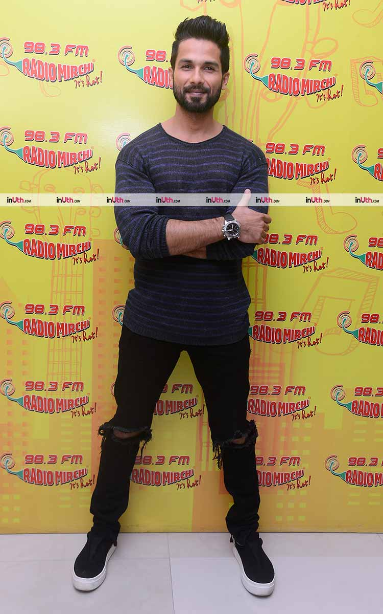 Shahid Kapoor promoting Padmavati at Radio Mirchi