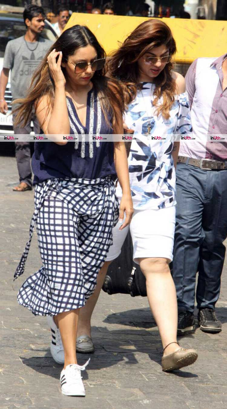 Gauri Khan spotted at Gateway of India leaving for Alibaug
