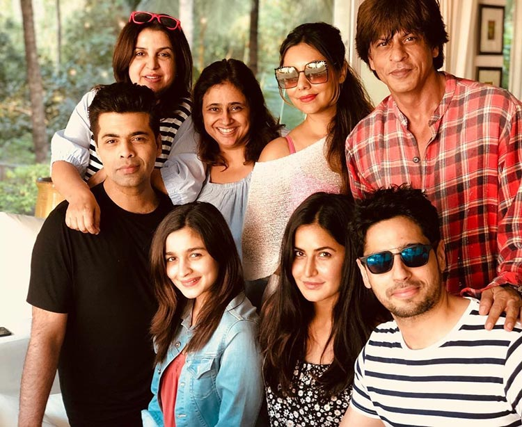 Shah Rukh Khan with his guests at his 52nd birthday bash