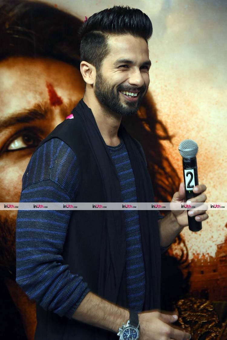Shahid Kapoor looks charming in this pic from Padmavati promotions
