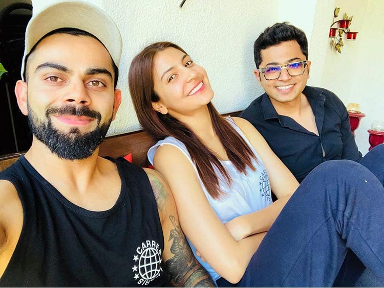 Virat Kohli and Anushka Sharma chilling together