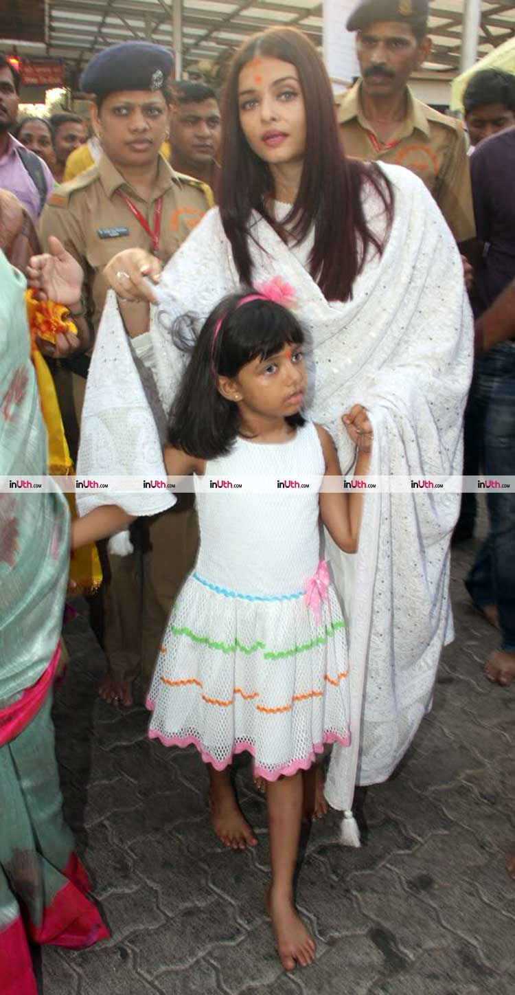 Aishwarya Rai with Aaradhya at Siddhivinayak temple