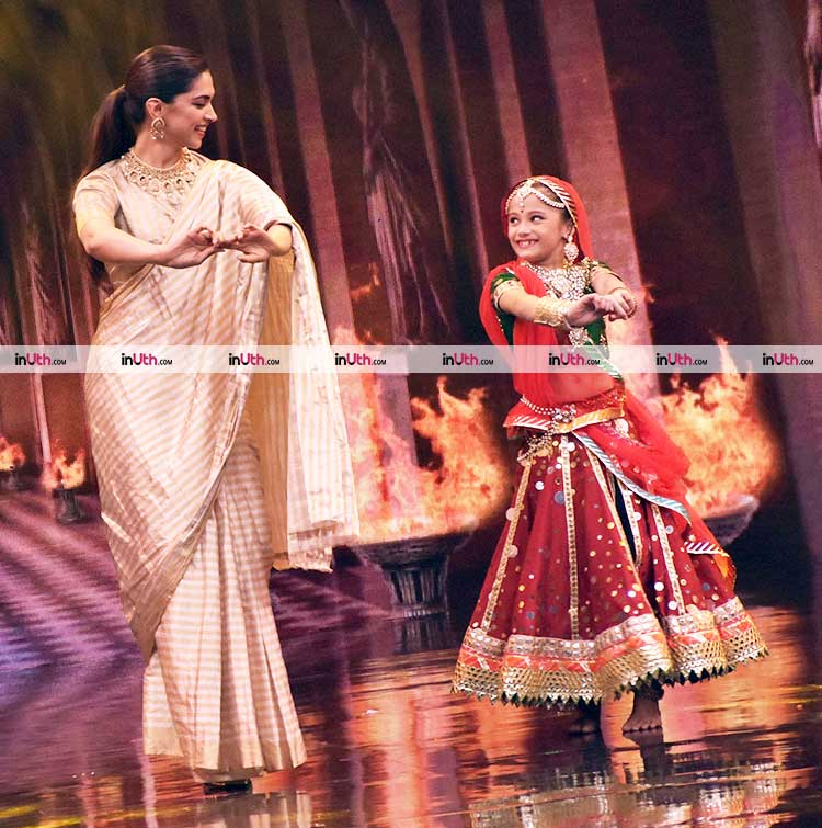 Deepika Padukone performing Ghoomar for Padmavati promotions