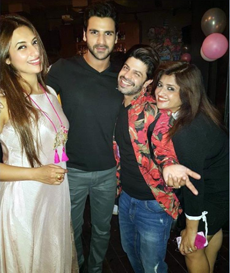 Divyanka Tripathi and Vivek Dahiya with friends