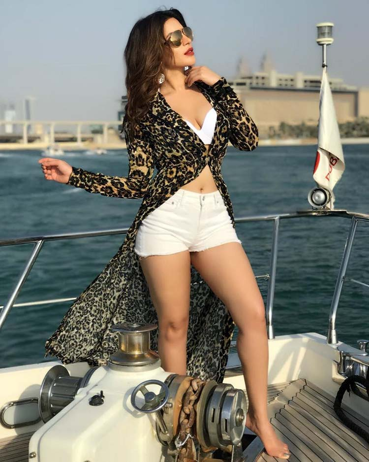 Shama Sikander is bold, beautiful, and excessively hot