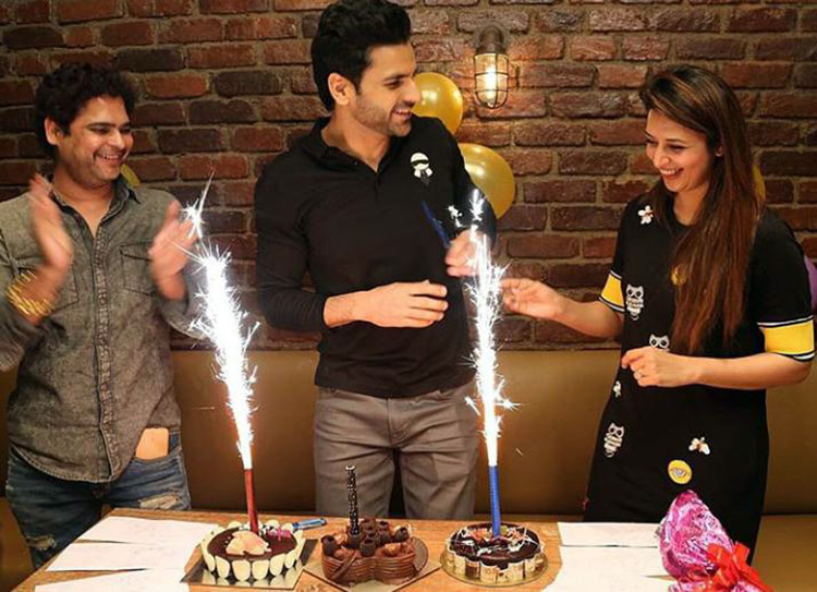 Vivek Dahiya with his birthday cakes