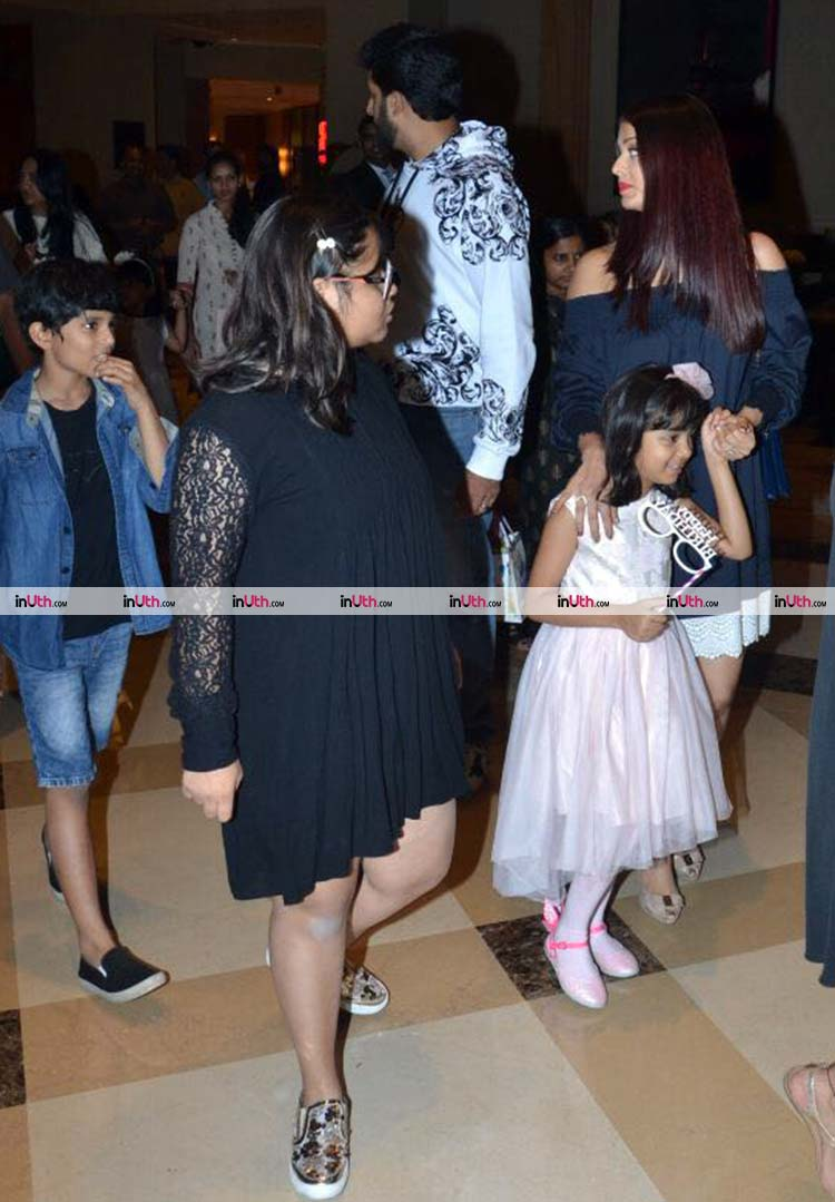 Aaradhya Bachchan with mother Aishwarya at the birthday party