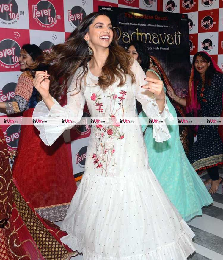 Deepika Padukone performing Ghoomar at Padmavati promotions