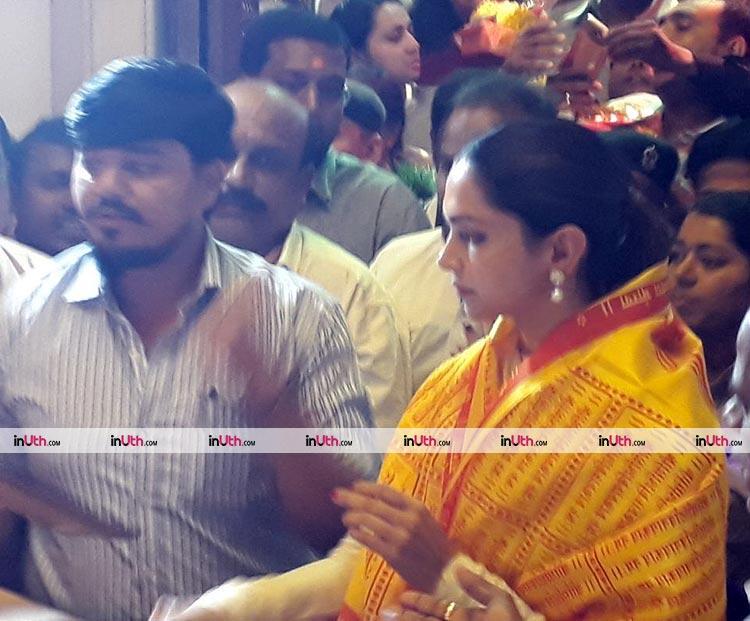 Deepika Padukone snapped inside Siddhivinayak temple