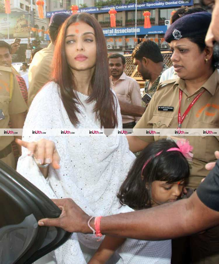 Aishwarya Rai at Siddhivinayak temple on her birthday