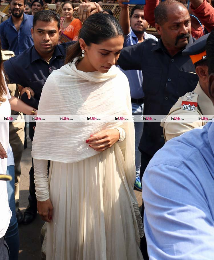 Deepika Padukone visits Siddhivinayak Temple on January 23, 2018