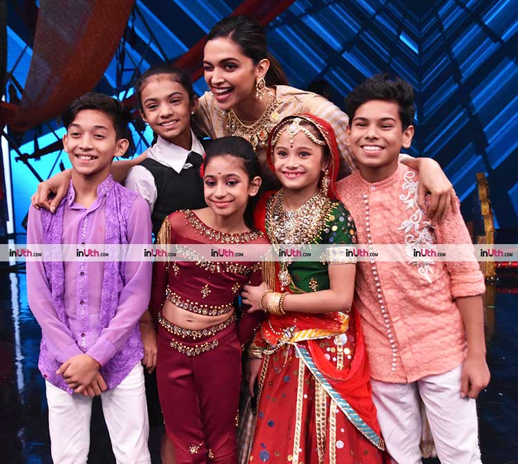Deepika Padukone with Super Dancer 2 contestants