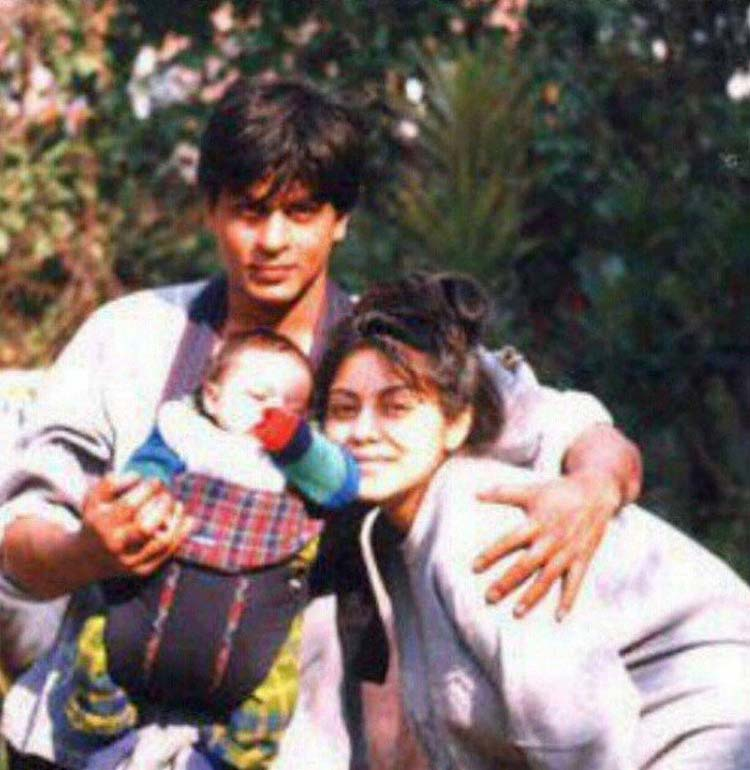 Shah Rukh Khan's old photo with family