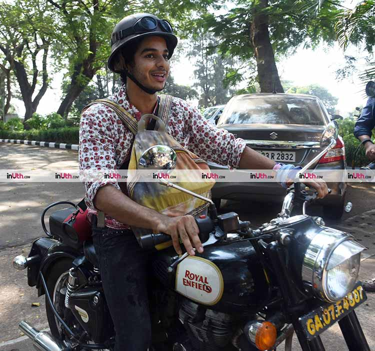 Ishaan Khatter posing for the paparazzi