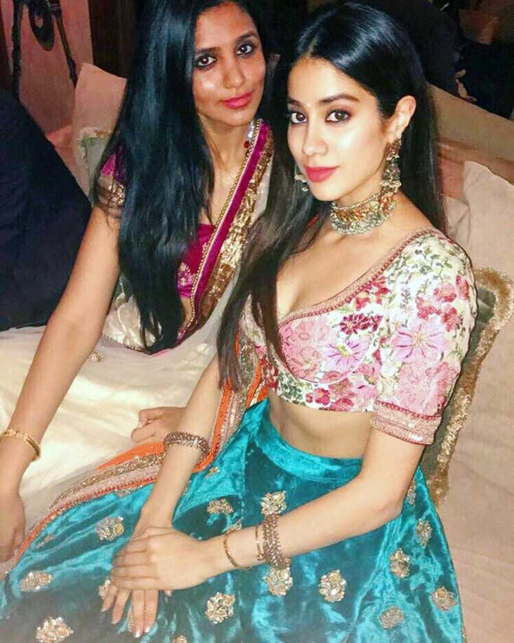Janhvi Kapoor's Indian princess look for Instagram