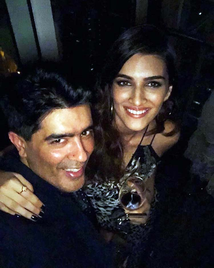 Kriti Sanon and Manish Malhotra at Deepika Padukone's party
