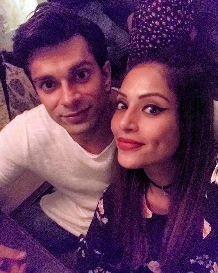 Bipasha Basu and Karan Singh Grover look lovely in this pic