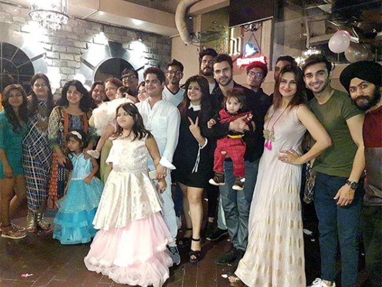 Divyanka Tripathi with the party