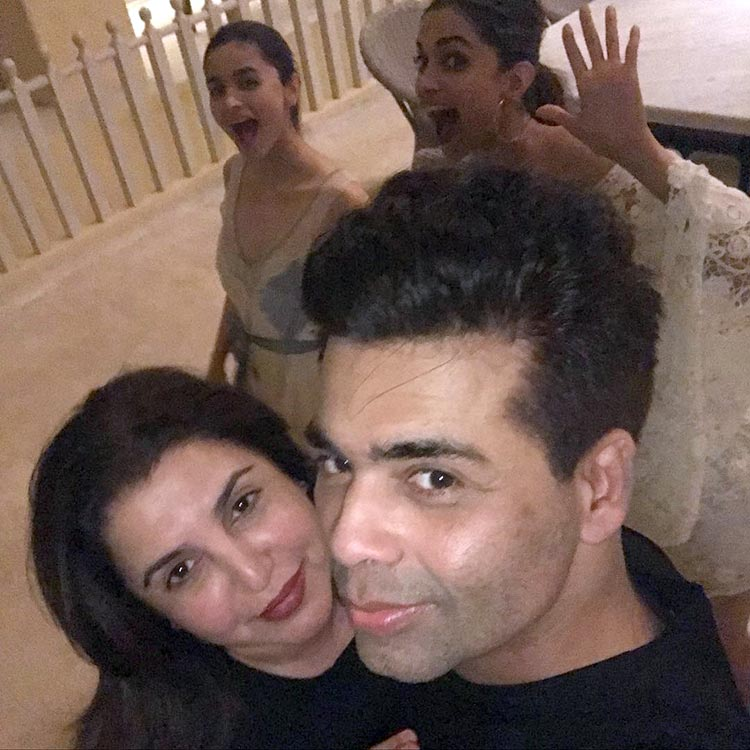 Karan Johar and Farah Khan at Shah Rukh Khan's birthday party