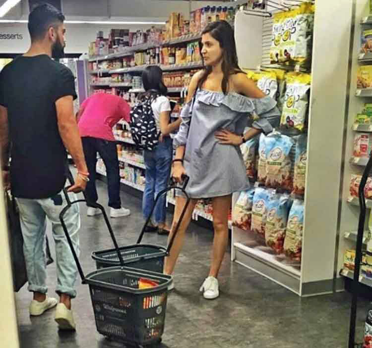 Virat Kohli and Anushka Sharma are grocery shopping partners