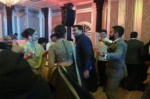 Virat Kohli, Anushka Sharma dance, Virat-Anushka dance, Virat Kohli, Sagarika Ghatge wedding reception, dance video, Zaheer Khan reception video, Cricketers dance