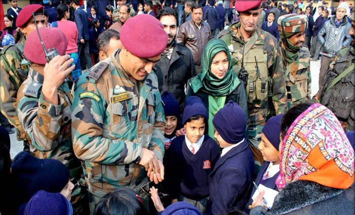 Lt Col (Hony) MS Dhoni pays surprise visit to Srinagar School, interacts with his litlle fans – SEE PICS