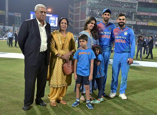 Ashish Nehra with his family at the Feroz Shah Kotla Stadium