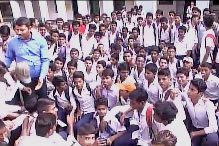 Patna, Mithapur, School, Dengue