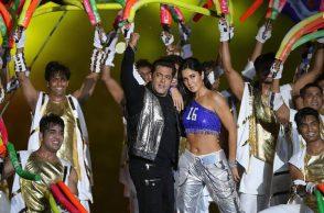 Salman Khan, Katrina Kaif, Indian Super League 2017, ISL 2017, ISL 2017 opening ceremony, Salman-Katrina dance ISL 2017 ceremony, Kerala Blasters FC, Atletico de Kolkata, Sachin Tendulkar, Nita Ambani