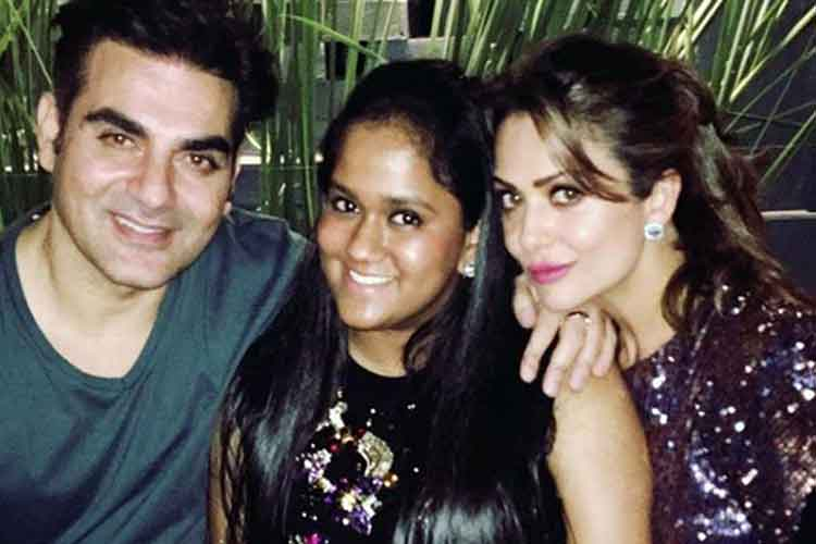 Inside pics of Arpita Khan's wedding anniversary party