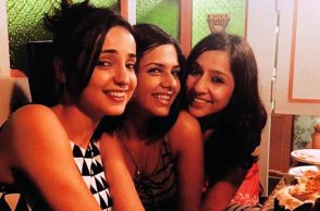 Sanaya Irani celebrates co-star Dalljiet Kaur's birthday