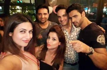 Divyanka Tripathi parties with Adaa Khan, Abigail Pandey