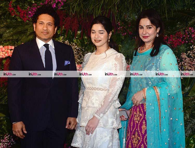 Sachin Tendulkar with family at Virat Kohli-Anushka Sharma's Mumbai reception