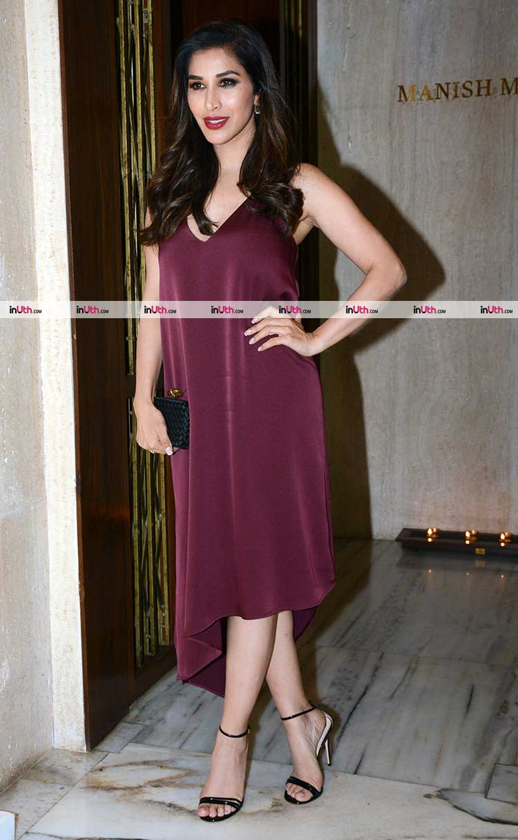Sophie Choudry at Manish Malhotra's party