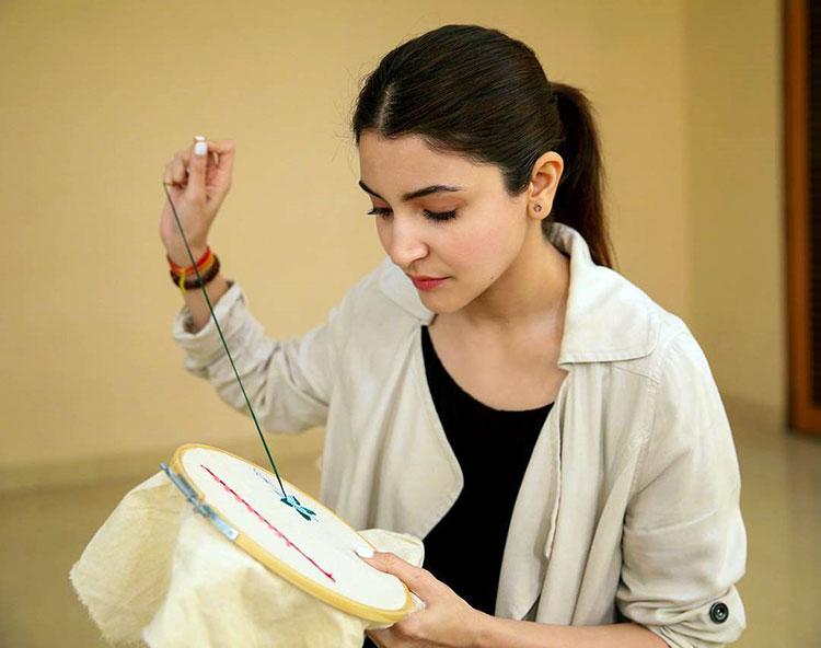 Anushka Sharma joins the team of Sui Dhaaga