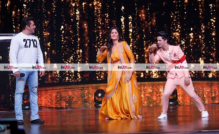 Katrina Kaif, Salman Khan promoting Tiger Zinda Hai on Dance India Dance 6